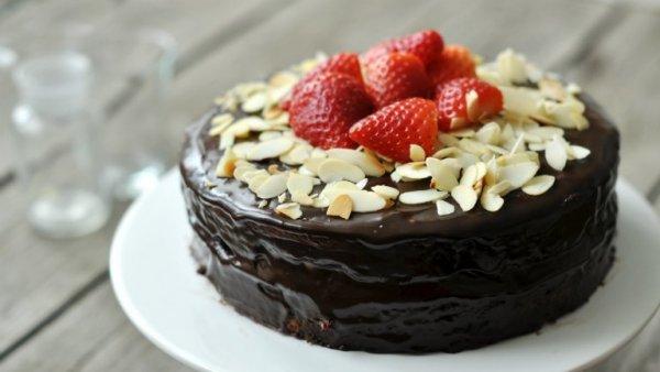 csokis epertorta